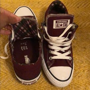 Low top converse size 7